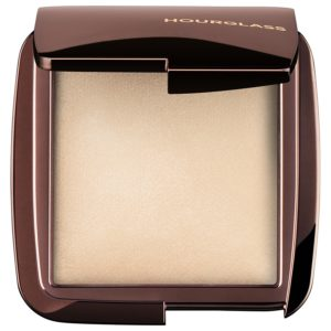 Hourglass-Puder-Ambient_Lighting